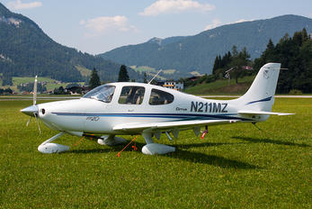 N211MZ - Private Cirrus SR20
