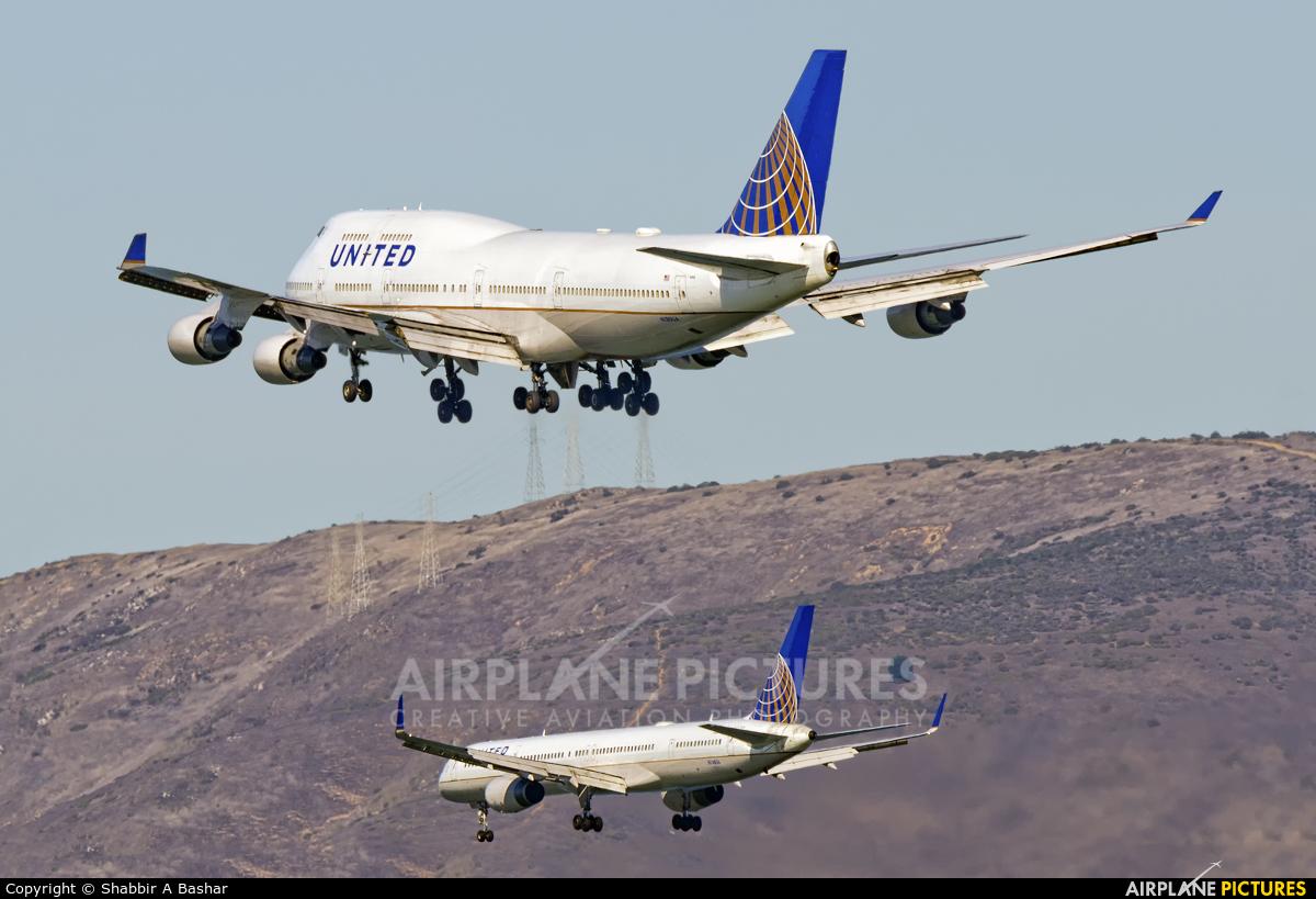 United Airlines N180UA aircraft at San Francisco Intl