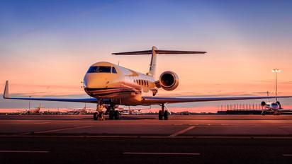 N145MG - Private Gulfstream Aerospace G-V, G-V-SP, G500, G550