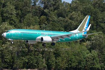 N1796B - Xiamen Airlines Boeing 737-800