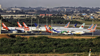 - - - Airport Overview - Airport Overview - Apron