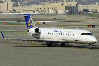 N471CA - United Express Canadair CL-600 CRJ-200