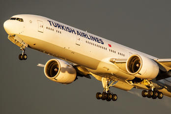 VT-JEM - Turkish Airlines Boeing 777-300ER
