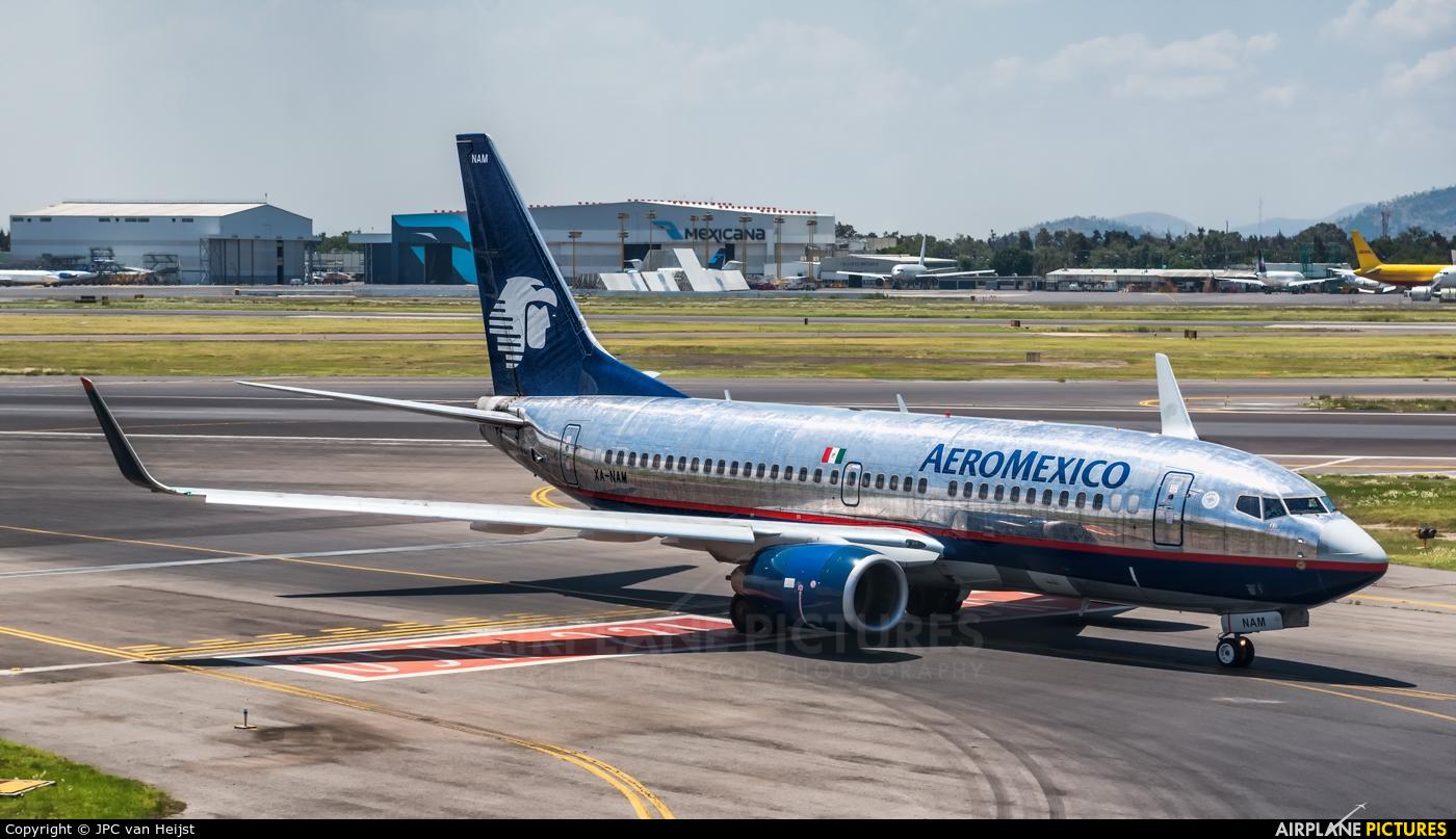XA-NAM - Aeromexico Boeing 737-700 at Mexico City