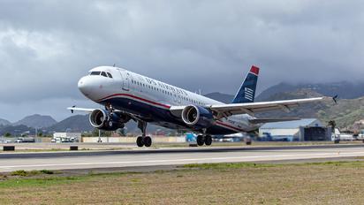 N104UW - US Airways Airbus A320