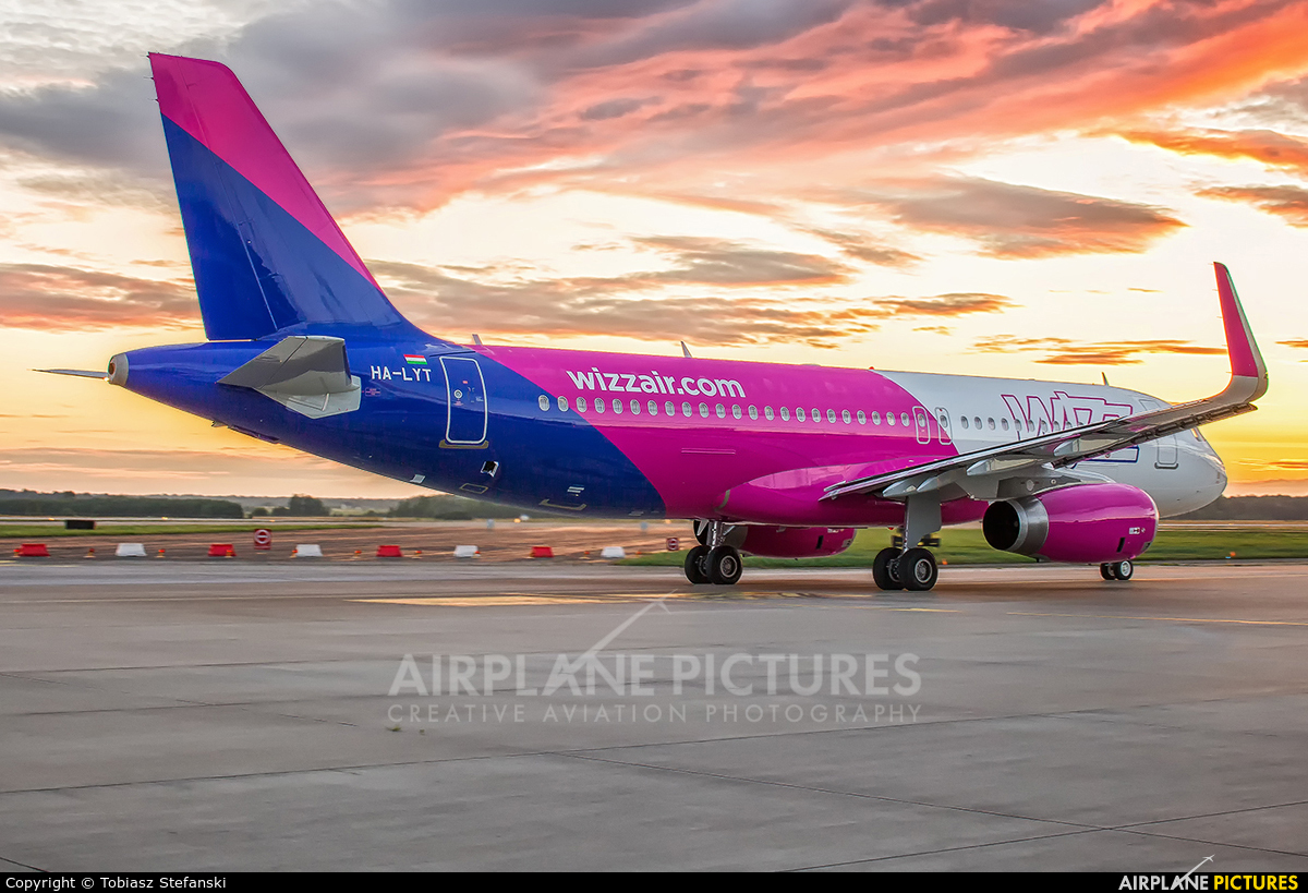 Wizz Air HA-LYT aircraft at Katowice - Pyrzowice