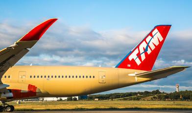 F-WZFV - TAM Airbus A350-900