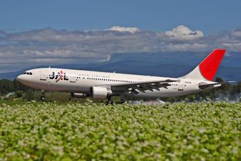 JA011D - JAL - Japan Airlines Airbus A300