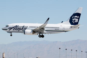 N615AS - Alaska Airlines Boeing 737-700