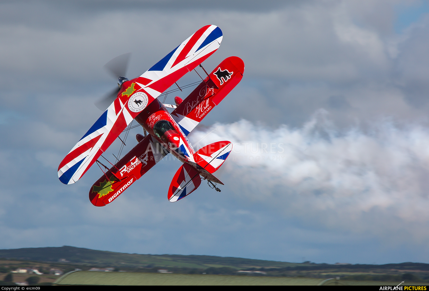 Rich Goodwin Airshows G-EWIZ aircraft at Culdrose