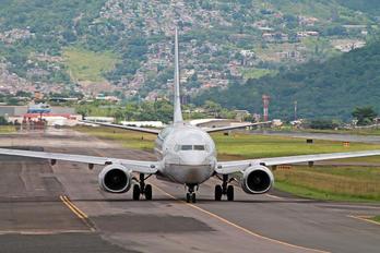 N39728 - United Airlines Boeing 737-700