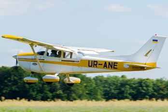 UR-ANE - Private Cessna 172 Skyhawk (all models except RG)