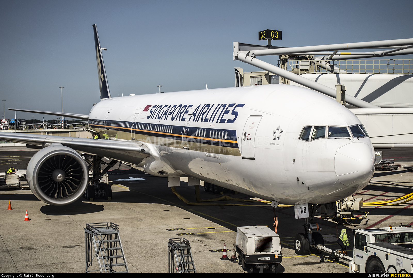 Singapore Airlines 9V-SWB aircraft at Amsterdam - Schiphol