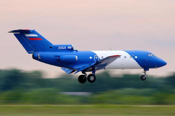 87829 - SibNIA Yakovlev Yak-40