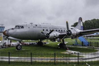 NL-316 - Netherlands - Government Douglas C-54A Skymaster