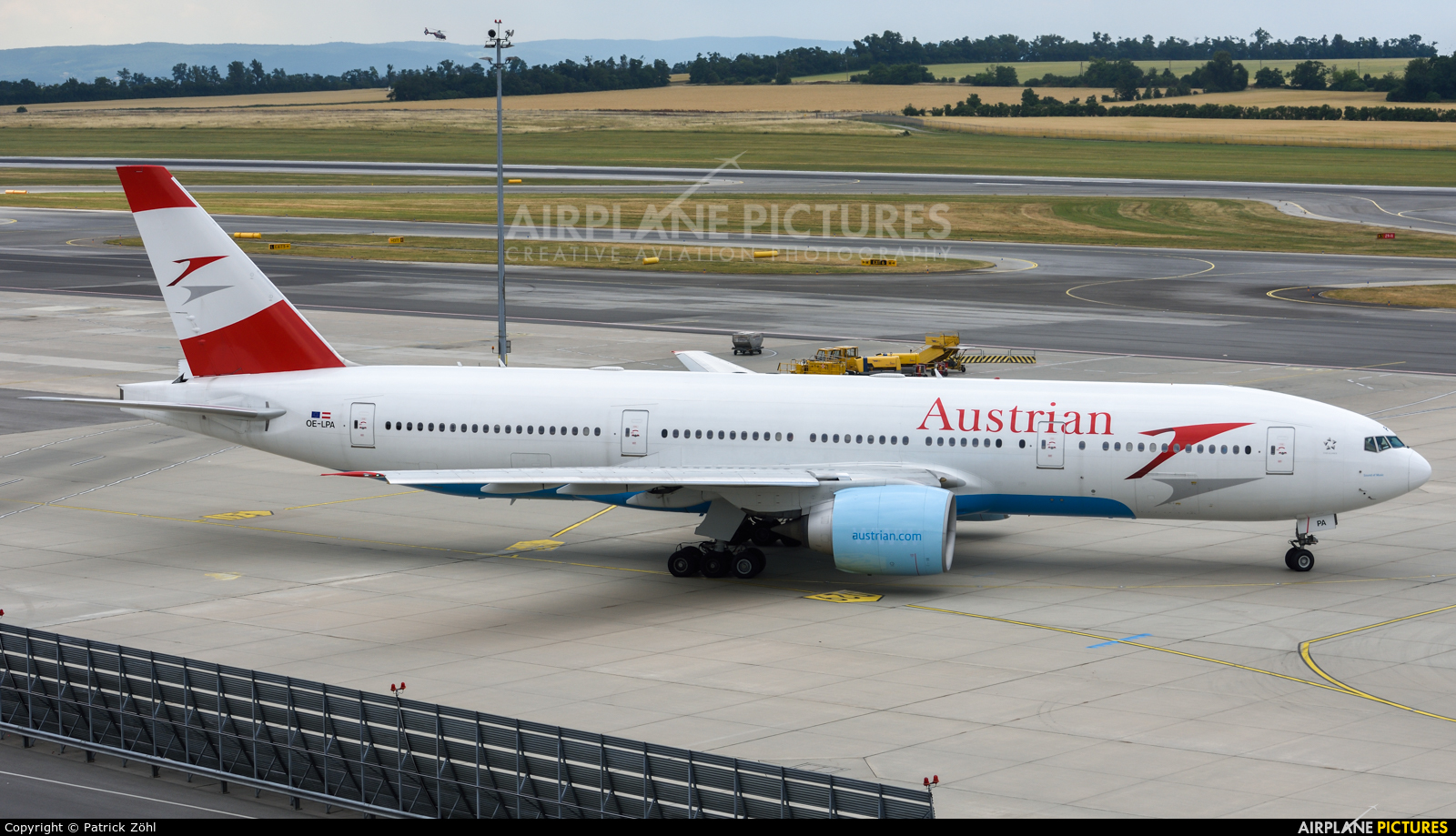 Austrian Airlines/Arrows/Tyrolean OE-LPA aircraft at Vienna - Schwechat