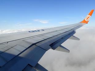 PR-GUJ - GOL Transportes Aéreos  Boeing 737-800