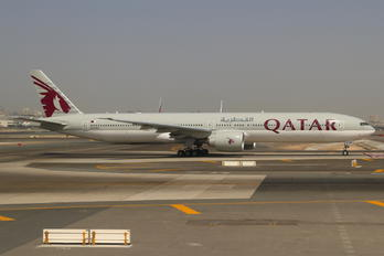 A7-BAU - Qatar Airways Boeing 777-300ER