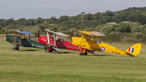 - - Private de Havilland DH. 82 Tiger Moth aircraft