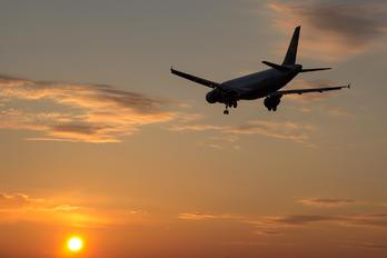 D-AIPL - Lufthansa Airbus A320