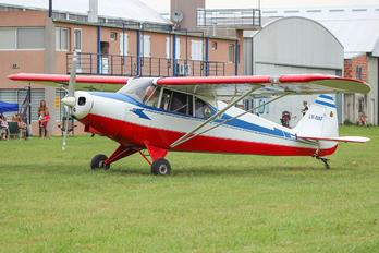 LV-NXF - Private Piper PA-12 Super Cruiser