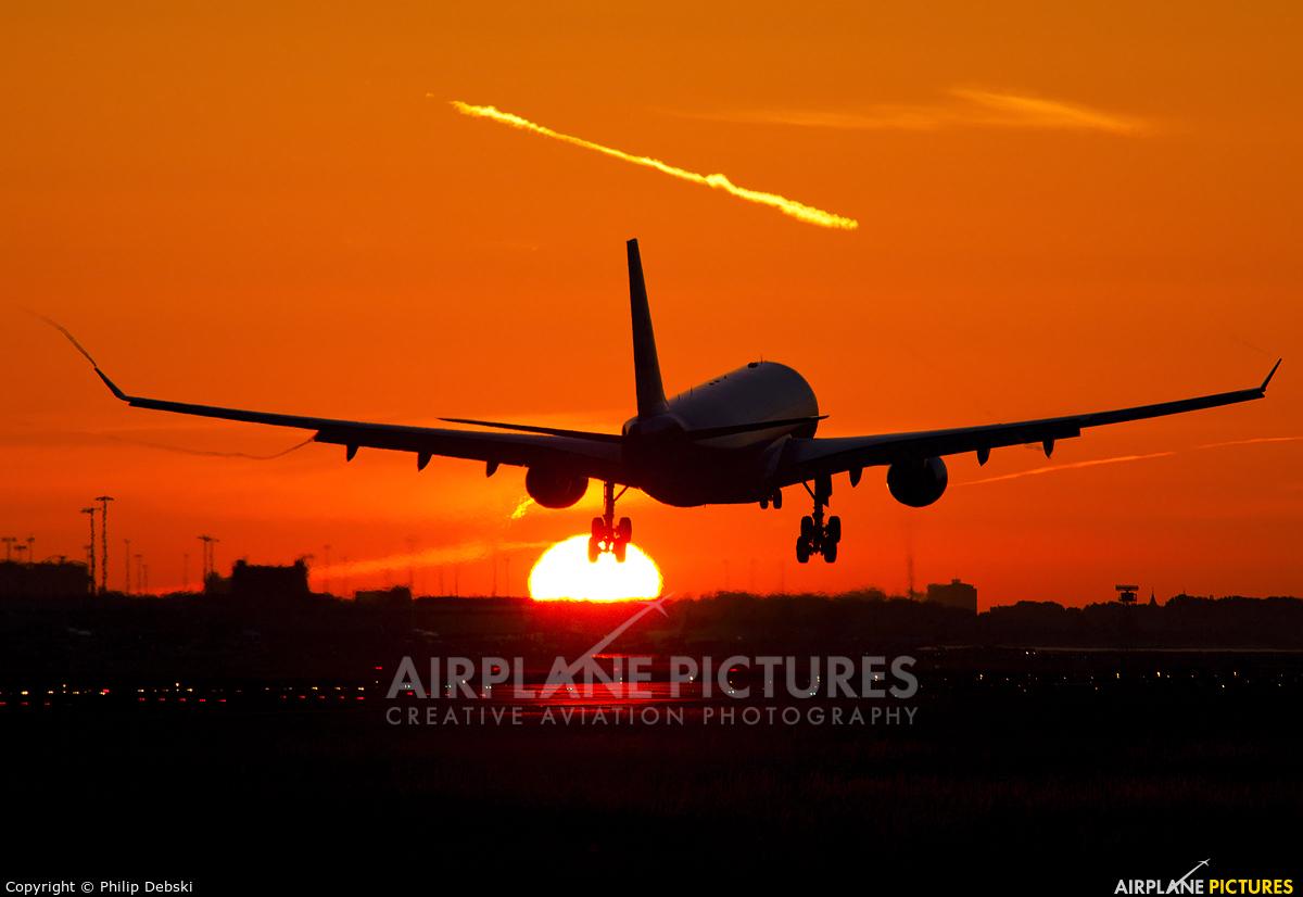 KLM PH-AOI aircraft at Amsterdam - Schiphol