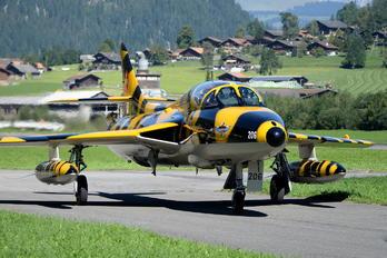 HB-RVV - Private Hawker Hunter T.68