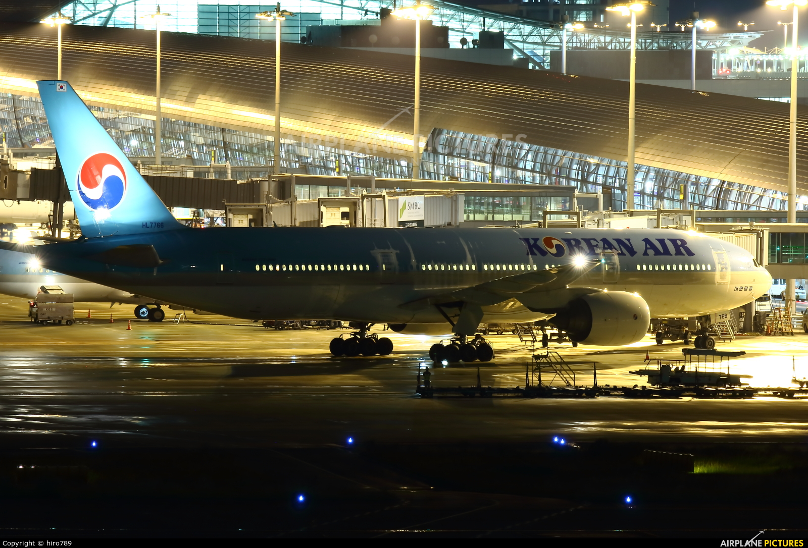 Korean Air HL7766 aircraft at Kansai Intl