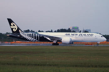 ZK-NZF - Air New Zealand Boeing 787-9 Dreamliner