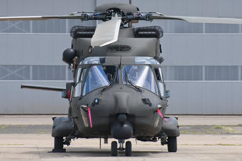 MM81527 - Italy - Army NH Industries NH-90 TTH