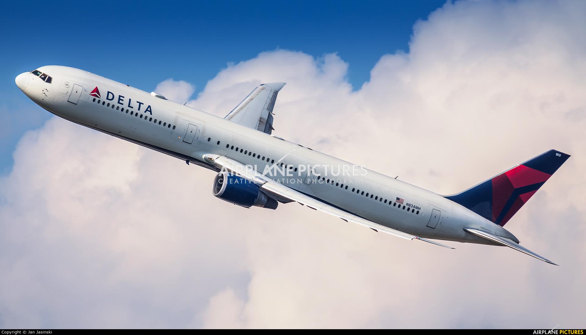 Delta Air Lines N834MH aircraft at New York - John F. Kennedy Intl