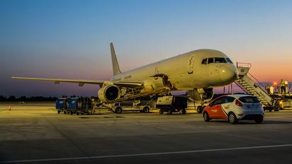 OO-TFA - TNT Boeing 757-200F