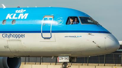 PH-EZN - KLM Cityhopper Embraer ERJ-190 (190-100)