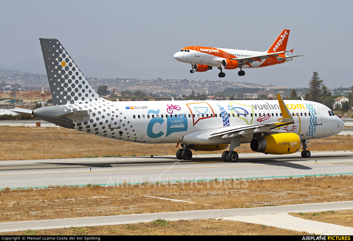 Vueling Airlines EC-LZM aircraft at Málaga
