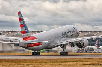 N793AN - American Airlines Boeing 777-200ER