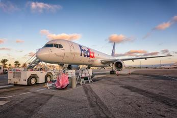 N928FD - FedEx Federal Express Boeing 757-200F