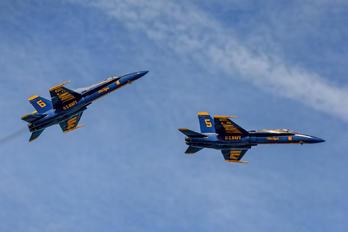 163431 - USA - Navy : Blue Angels McDonnell Douglas F/A-18A Hornet