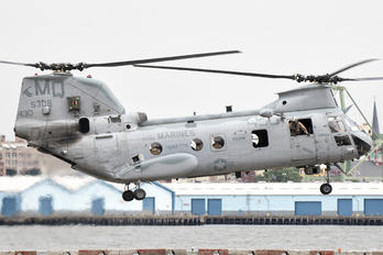 155308 - USA - Marine Corps Boeing CH-46E Sea Knight