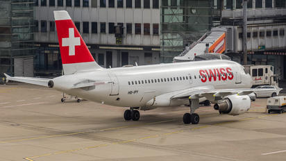 HB-IPY - Swiss Airbus A319