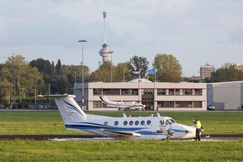 N300PP - Private Beechcraft 300 King Air