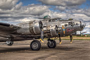 483514 - USA - Air Force Boeing B-17G Flying Fortress aircraft