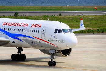 RA-64026 - Vladivostok Avia Tupolev Tu-204