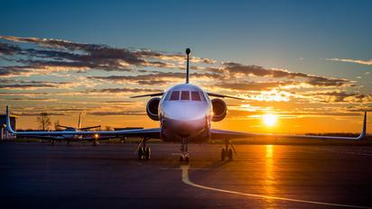 - - Private Dassault Falcon 2000LX