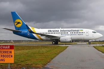 UR-GAW - Ukraine International Airlines Boeing 737-500