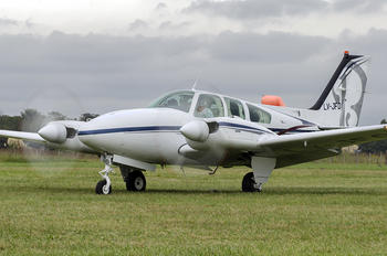 LV-JFO - Private Beechcraft 95 Baron