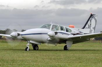 LV-JFO - Private Beechcraft 95 Baron