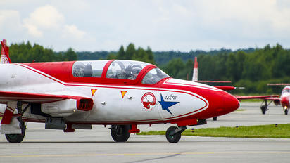 3H-2011 - Poland - Air Force: White & Red Iskras PZL TS-11 Iskra