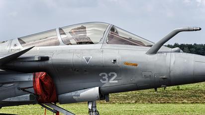 32 - France - Navy Dassault Rafale M
