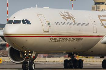 A6 EHK - Etihad Airways Airbus A340-600