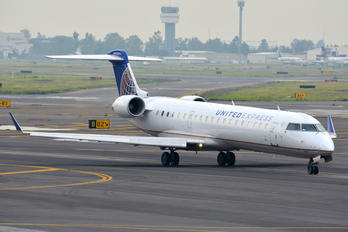 N702SK - United Express - SkyWest Canadair CL-600 CRJ-700